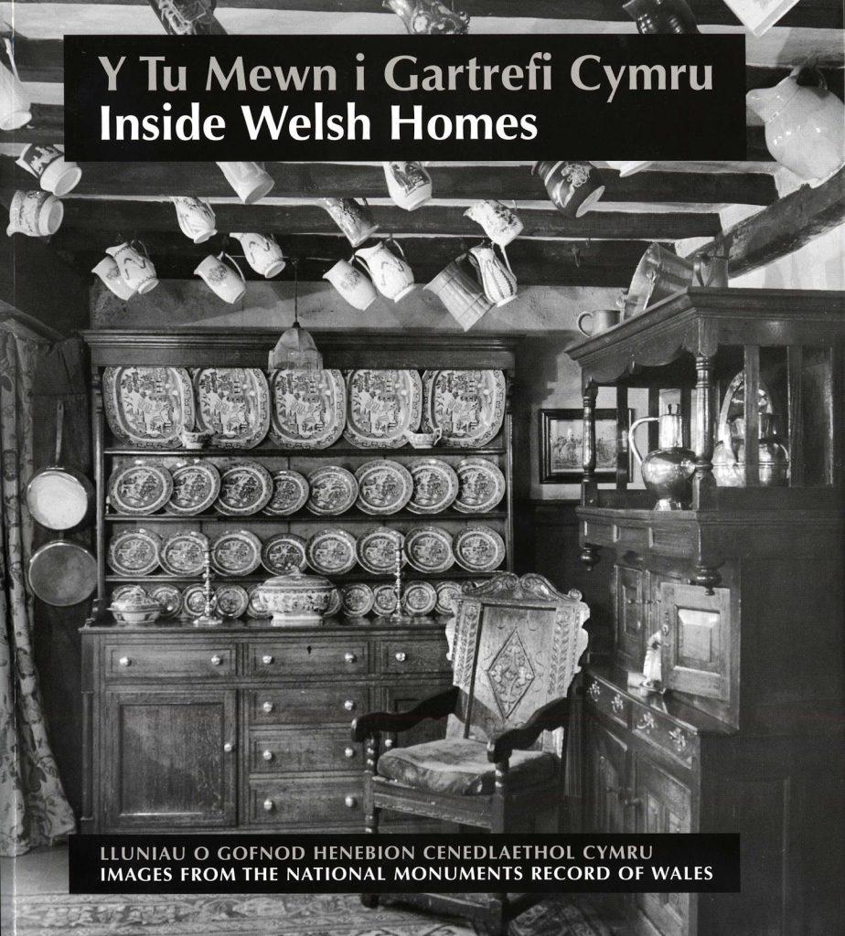 Y Tu Mewn i Gartrefi Cymru
