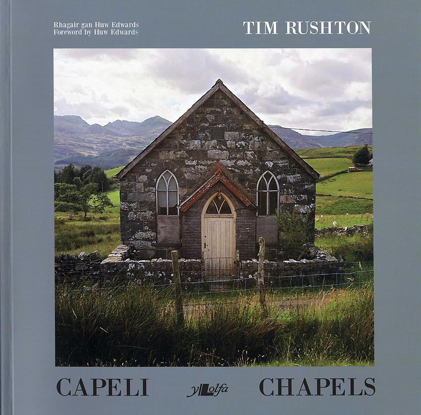 Capeli - Chapels ISBN 978-1-8477146-5-7