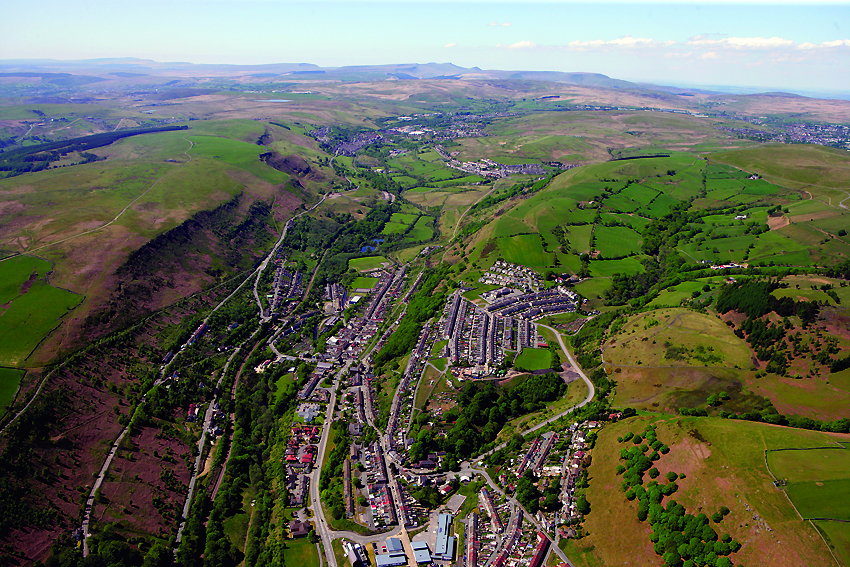 Fig 11 - Rhymney Valley landscape with New Tredegar and Phillipstown AP_2010_1229 cmyk