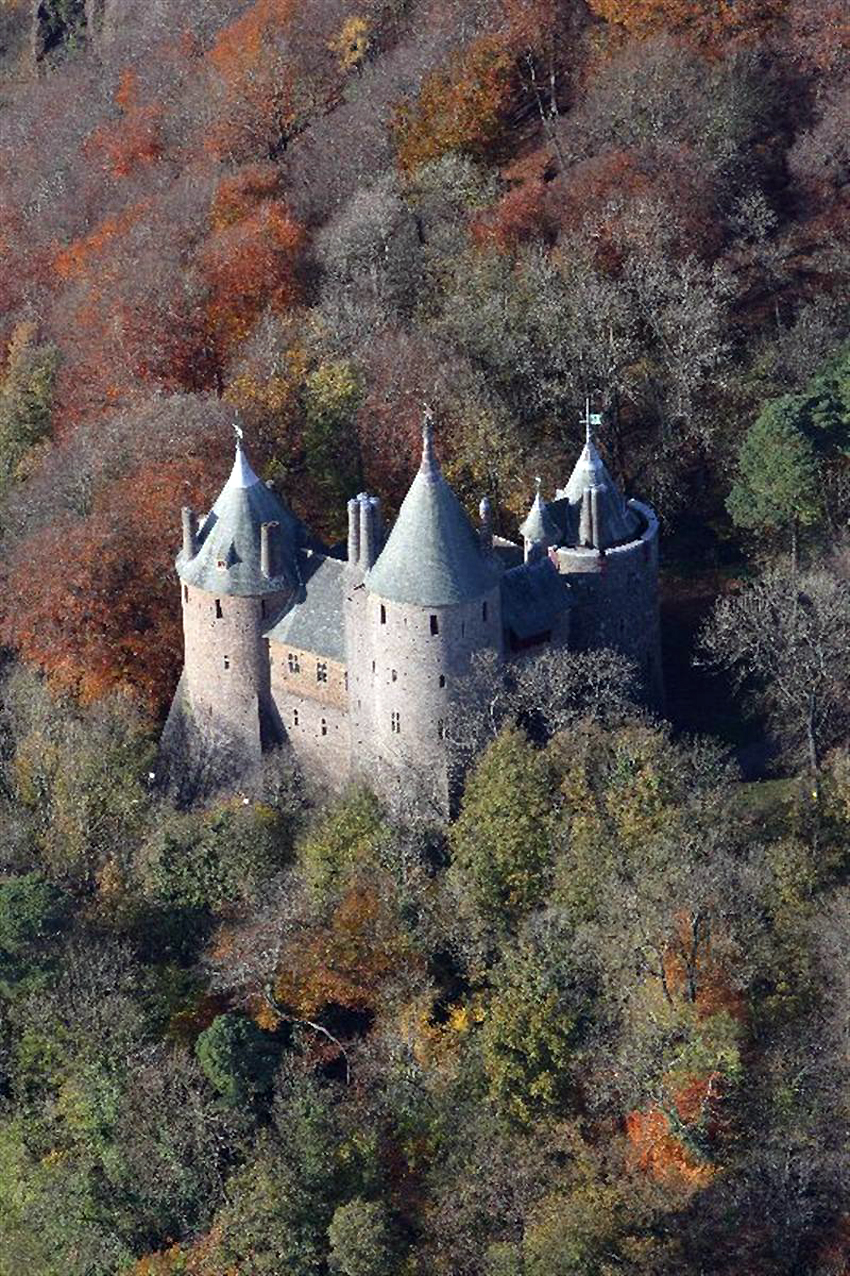 RCAHMW colour oblique photograph of Castell Coch, Tongwynlais, 2008