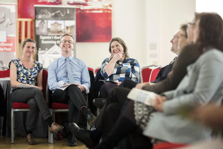 Eglurwyd hyd a lled y prosiect gan y Tîm CHERISH: Louise Barker, Dr Toby Driver a Dr Sarah Davies. (©Prifysgol Aberystwyth)