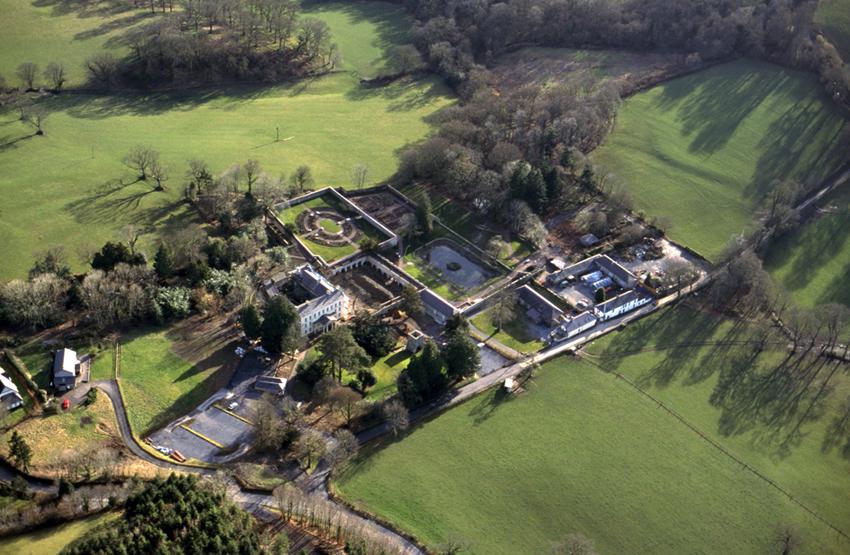 Aberglasney Garden, 2000. NPRN: 266159 Ref. No. DI2013_0055 C.801190