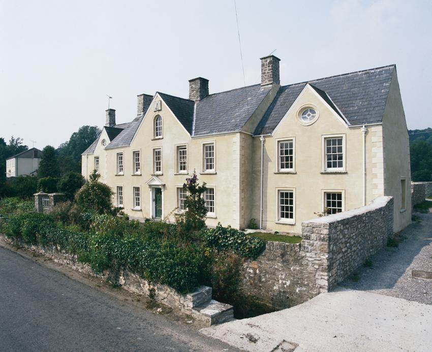 Llun o du allan Great House, Llanfleiddan: 18fed ganrif.