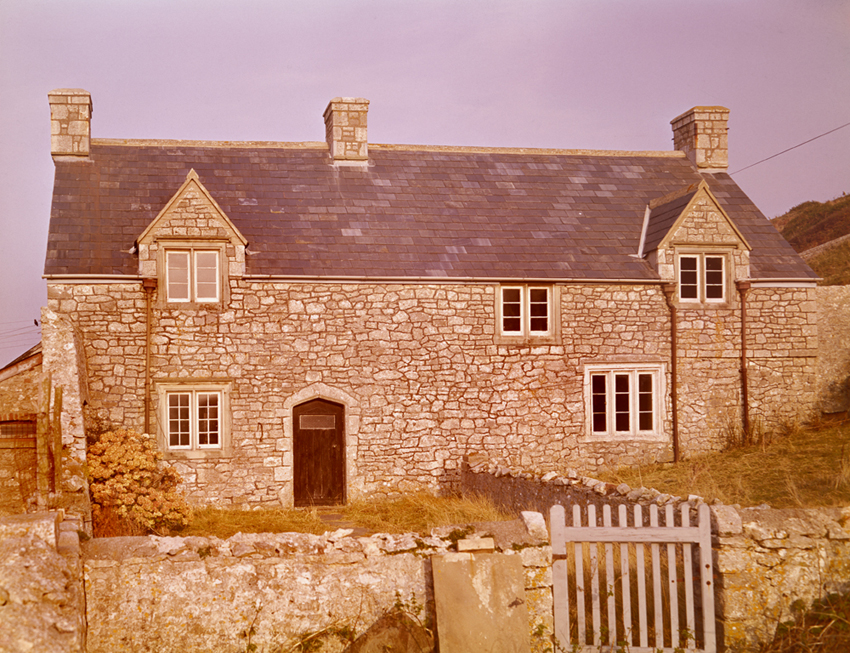 Exterior view of Sutton farmhouse, Llandow, 16th-17th centuries.