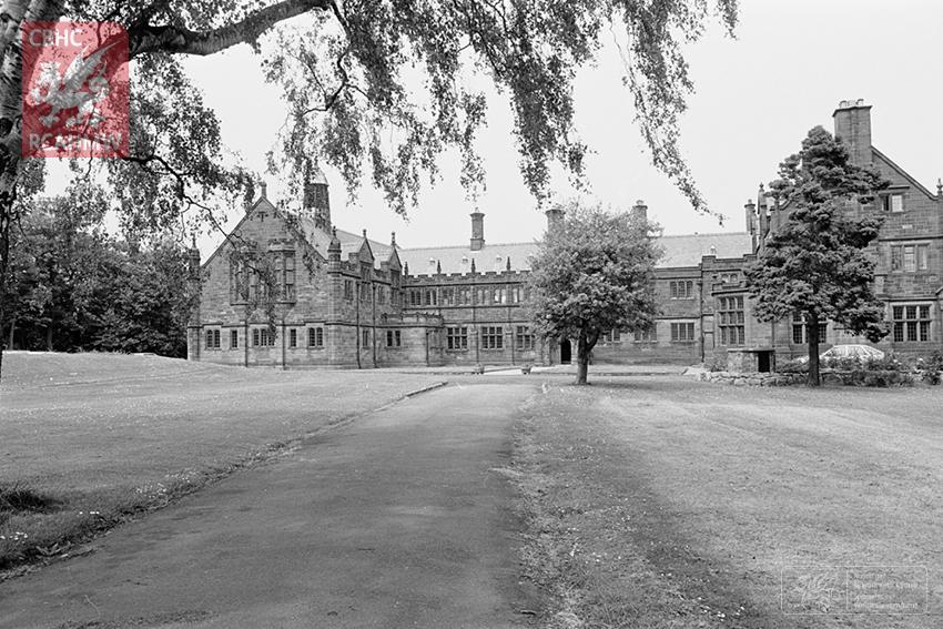 St. Deiniol's Library ~ Gladstone Library, Hawarden, 1984. NPRN: 23465 C.470249 DI2010_0497