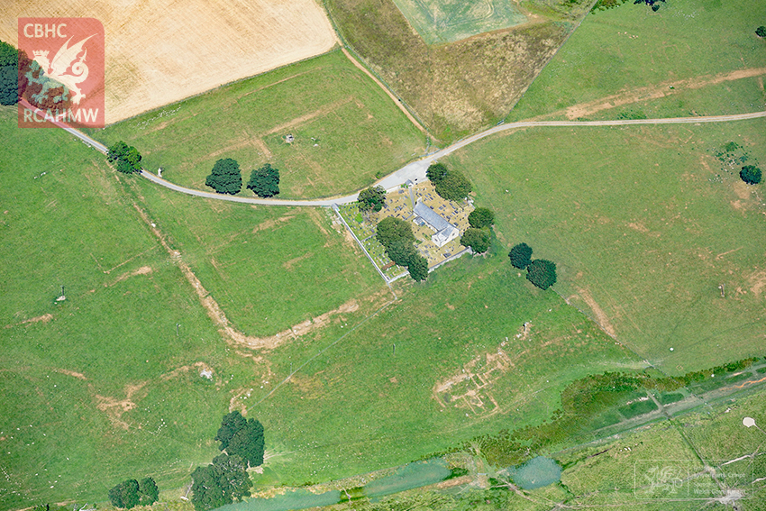 3 – Parchmarks of Roman buildings showing at Caerhun Roman fort in the Conwy Valley (Crown Copyright RCAHMW)