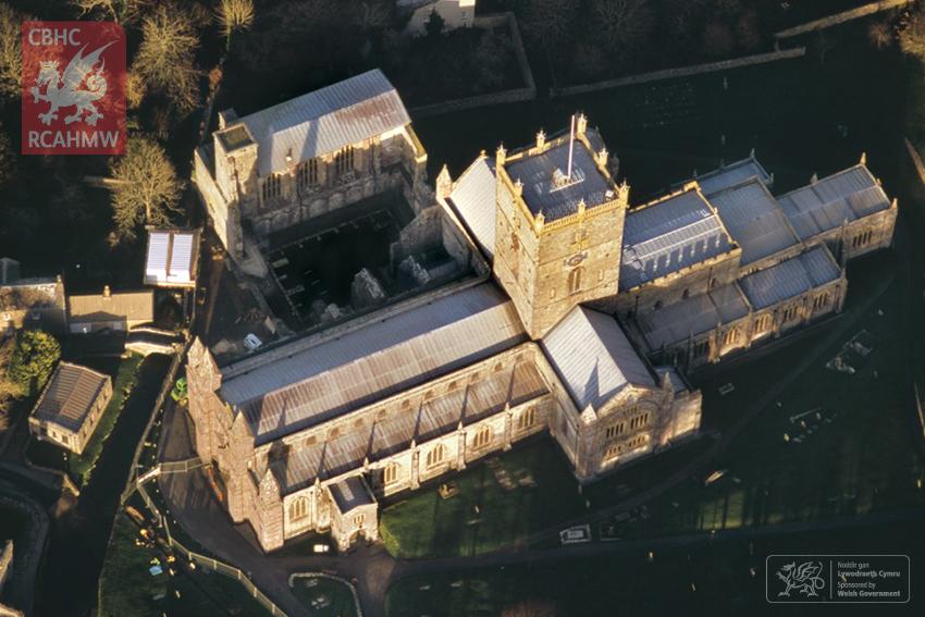 Eglwys Gadeiriol Tyddewi. DI2006_1689 C.422587 NPRN 306