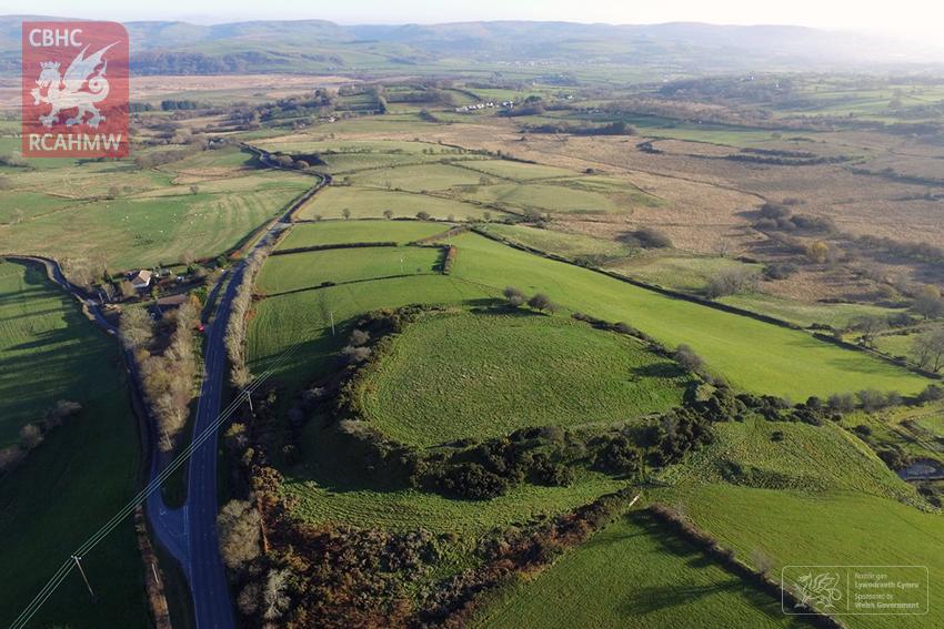 Castell Flemish Hillfort, Ty'n-yr-Eithin, near Tregaron Ref. PRD_02_1942     C.653402     NPRN: 303559    Copyright: Paul R. Davis