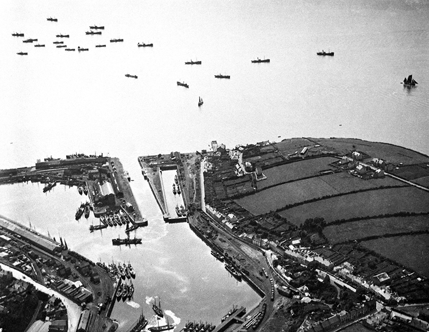 Milford Haven harbour, September 1916 from 2000 feet, photograph taken from the airship C5. (3)