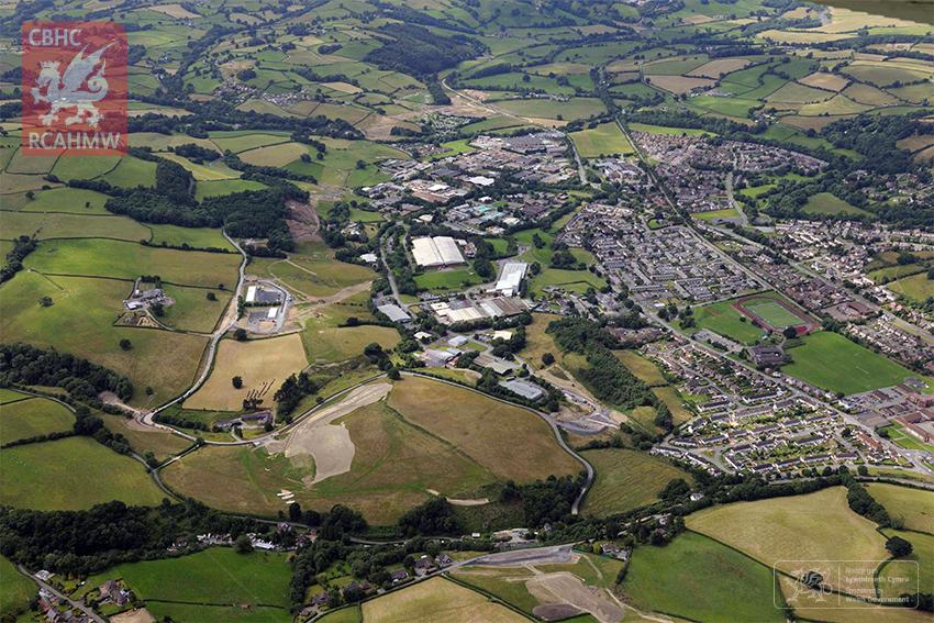 1. Ffordd Osgoi Y Drenewydd: Golygfa tua'r gorllewin Gorffennaf 2016.