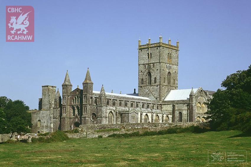 Eglwys Gadeiriol Tyddewi, Sir Benfro. NPRN: 306   DI2008_1029