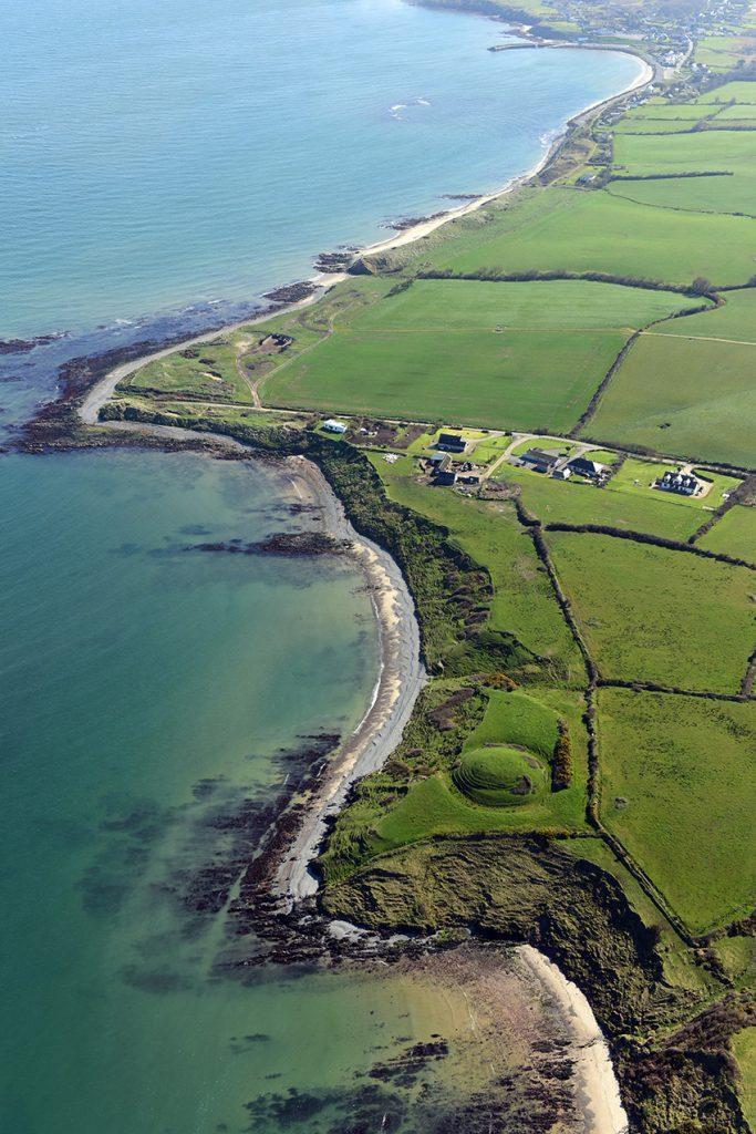 9. Mwnt Glascarrig, Swydd Wexford. Priordy Benedictaidd o'r 12fed ganrif a mwnt a beili cysylltiedig.