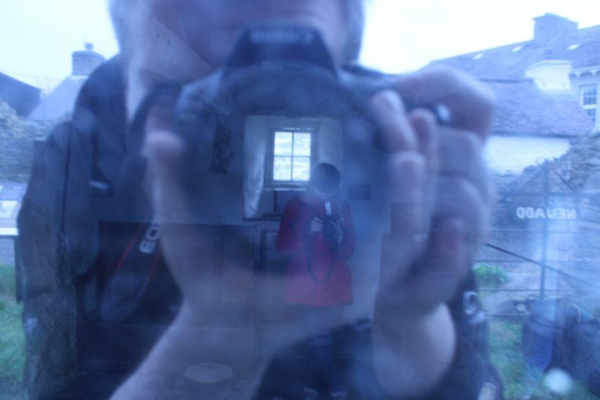 Ffotograffiaeth arbrofol ym Mwthyn Llan-non, Ceredigion