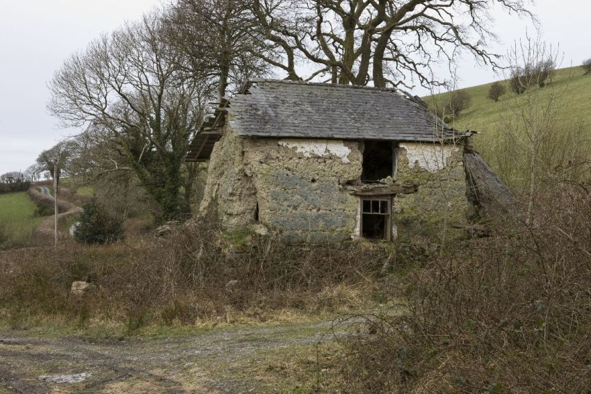 Llechwedd cottage, Lledrod