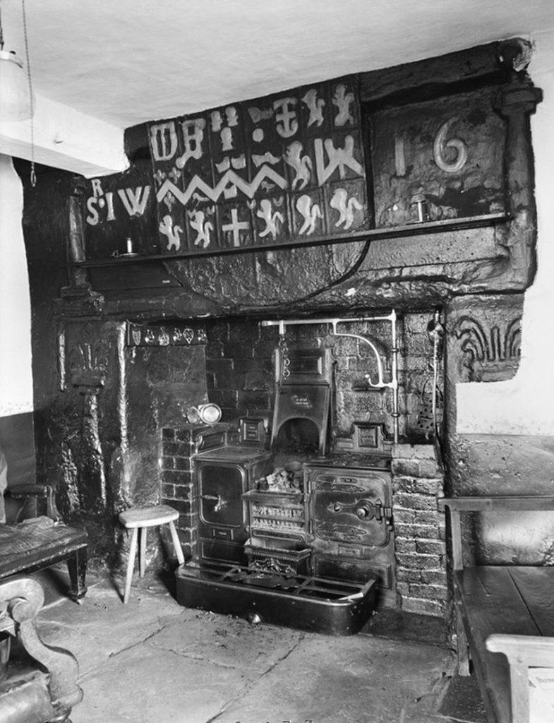 New range in old fireplace at Plas-y-llan, Eglwysbach, near Llanrwst