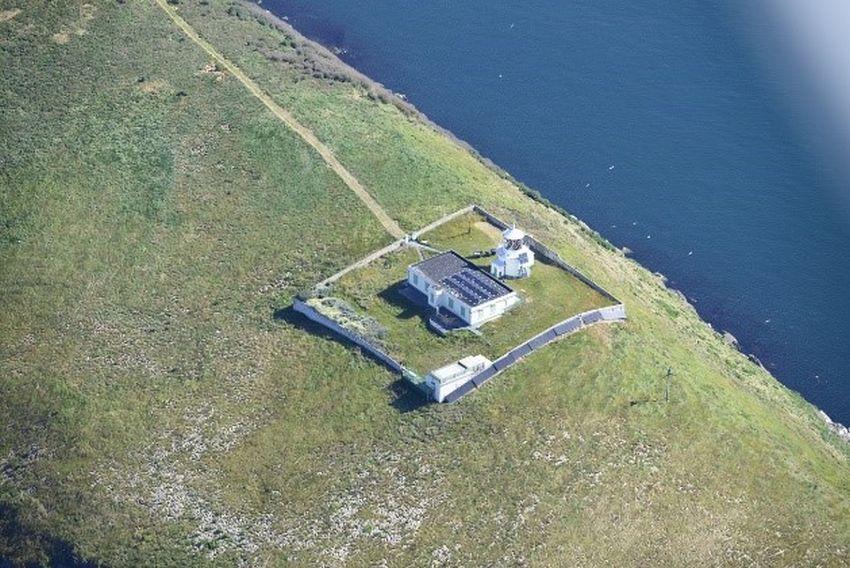 St. Tudwals Lighthouse, St Tudwals Island West