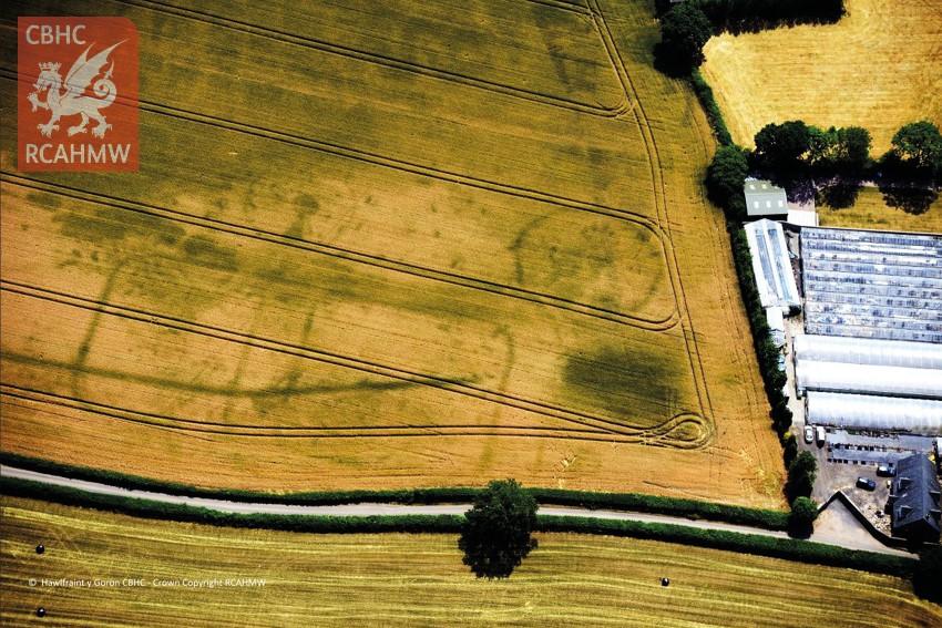 Carrow Hill Roman fort (Crown Copyright RCAHMW, AP_2018_2977)