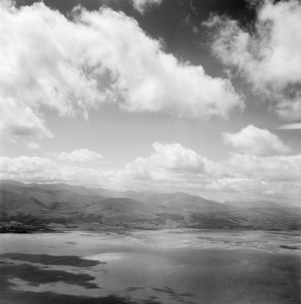 Golygfa eang o arfordir Gogledd Cymru, 1953