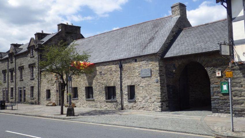 Owain Glyndŵr Parliament House Machynlleth, Powys