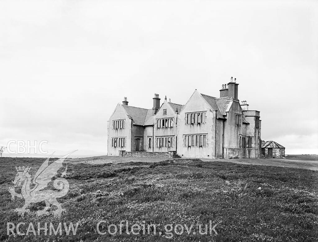 Gwylfa Hiraethog yn 1954, yn dal i deyrnasu dros y wlad o'i chwmpas (Delwedd DI2009_0891)