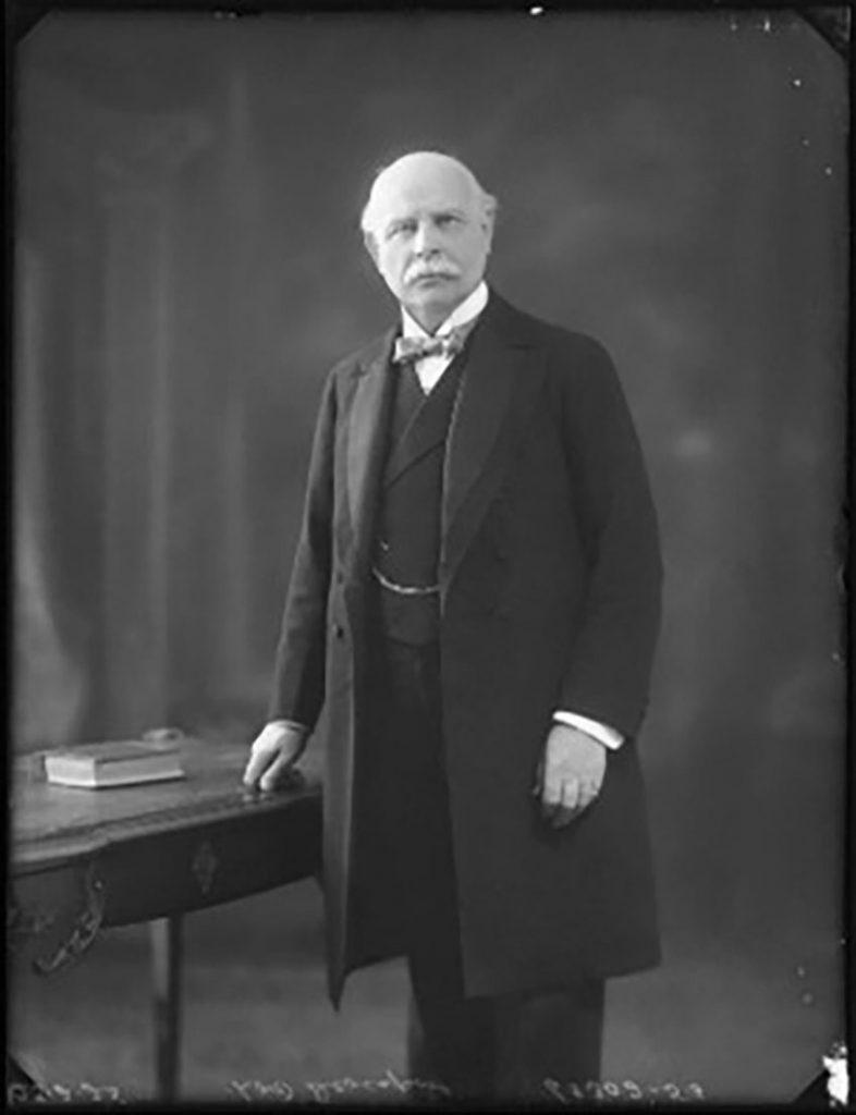 Is-Iarll Devonport 1925 (Wikipedia commons)