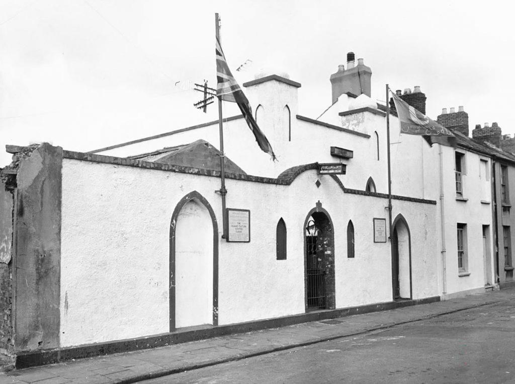 Mosg Peel Street, Caerdydd a gymerwyd ym 1964