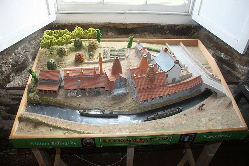 Model o Grochendy Nantgarw, Ffynnon Taf, Rhif Archif 6440554, NPRN 40801